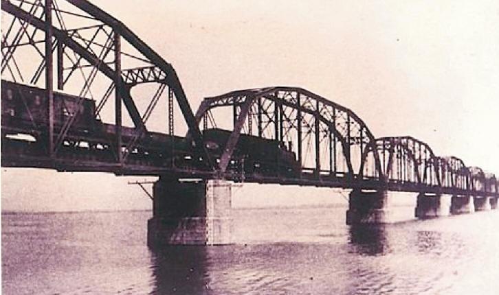 高屏舊鐵橋( 下淡水溪鐵橋)