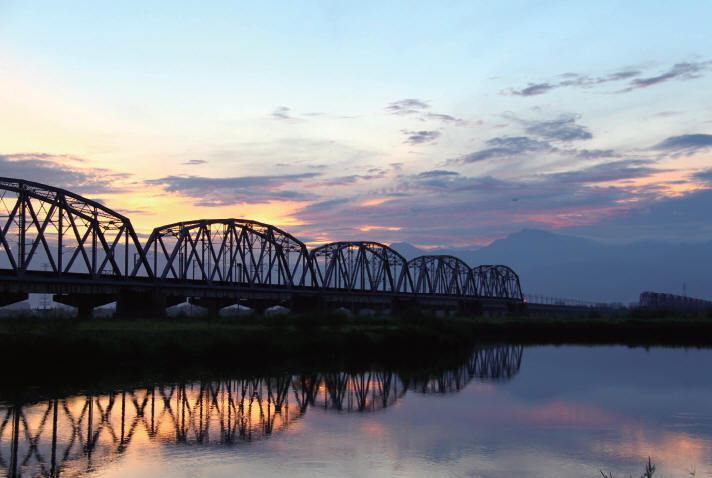 舊鐵橋的清晨