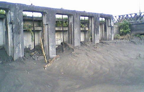 曹公圳五孔頷也被淹沒了