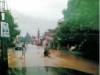 83 年8 月13 日七夕情人節,水退中的久堂路上。
