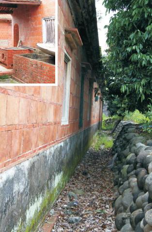 莊家古厝的後壁溝