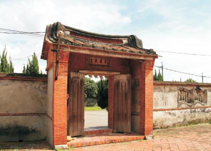莊家古厝內門
