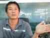 王秋雄特別「展示」他的「細」手。
