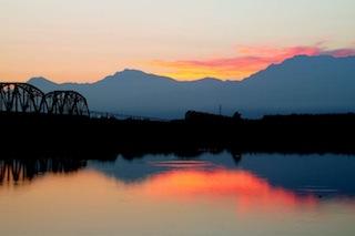 萬種風情的舊鐵橋晨曦之一